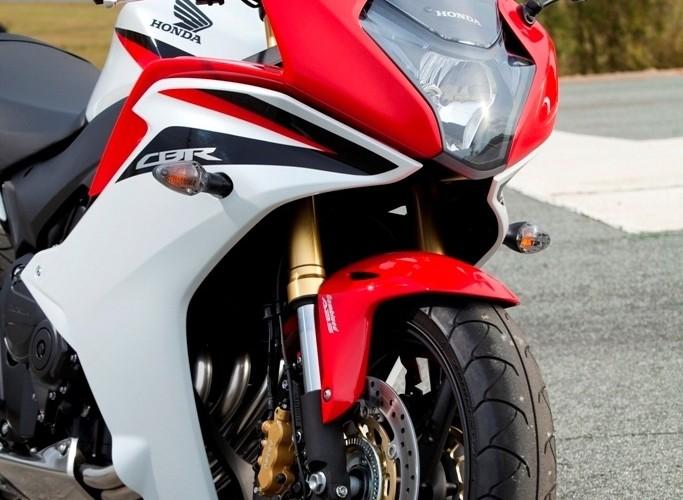Honda CBR600F z przodu