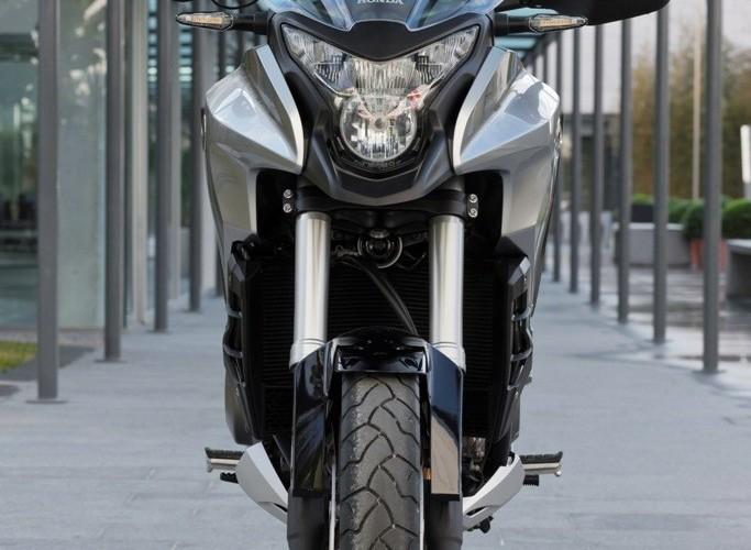 Od przodu Honda CrossTourer 2012