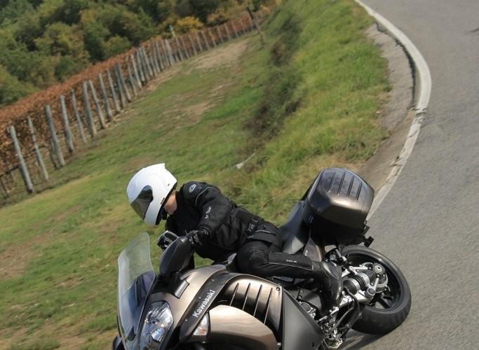 Kawasaki 1400 GTR 2010 wlasciwosci jezdne