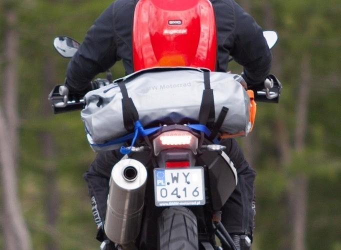 GS800 zakret tyl alpenmasters 2012