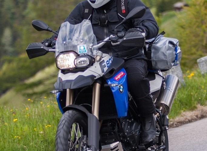 gs800 zakret przod alpenmasters 2012