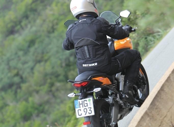 Kawasaki Versys 2010 wyjscie z zakretu