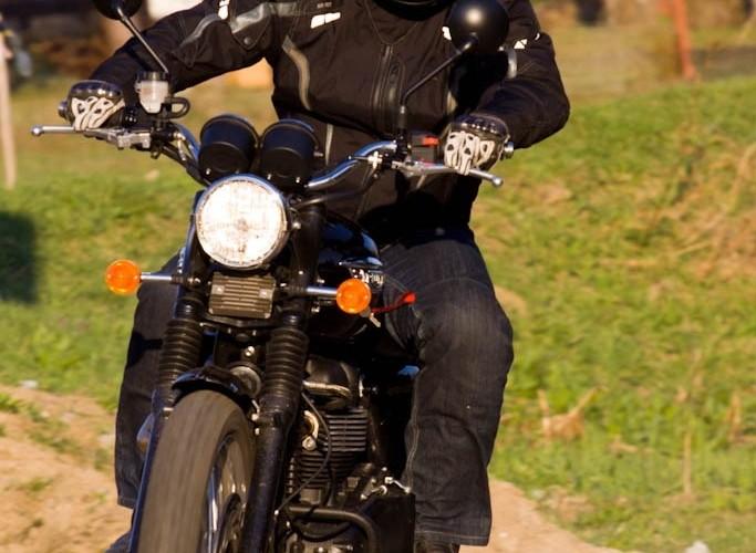 Triumph Scrambler 2011 lewa strona zzakret