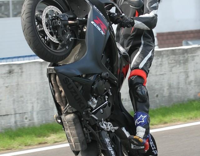 stunt suzuki gsx-r-750