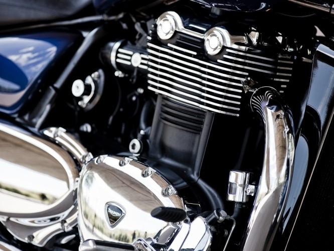 Triumph Thunderbird silnik prawa strona