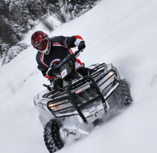 Quad Arctic Cat TRV 700 H1 EFI4x4 jazda w sniegu