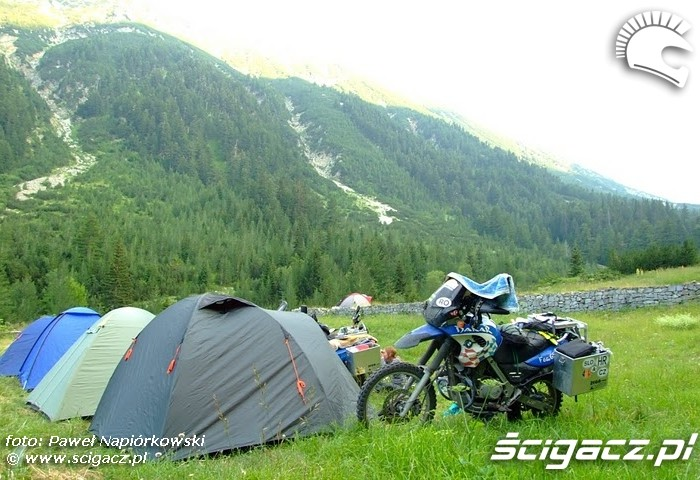 biwak na zboczu Bulgaria i Rumunia na motocyklach - be hardcore