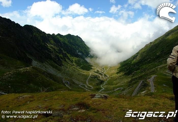 droga w dolinie Bulgaria i Rumunia na motocyklach - be hardcore