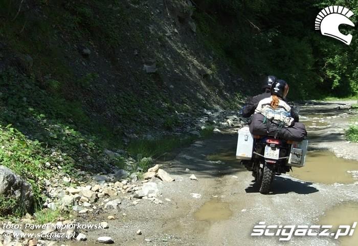 dziury Bulgaria i Rumunia na motocyklach - be hardcore