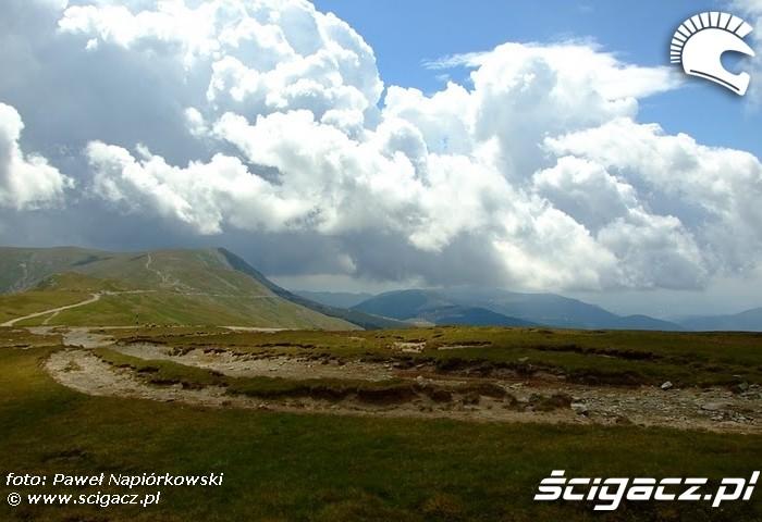 linia chmur Bulgaria i Rumunia na motocyklach - be hardcore