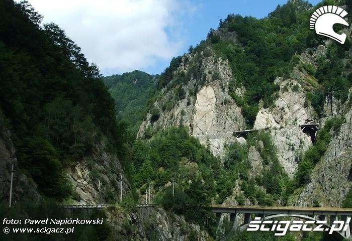 most skaly Bulgaria i Rumunia na motocyklach - be hardcore