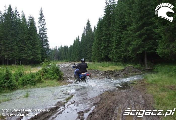 przez brod Bulgaria i Rumunia na motocyklach - be hardcore