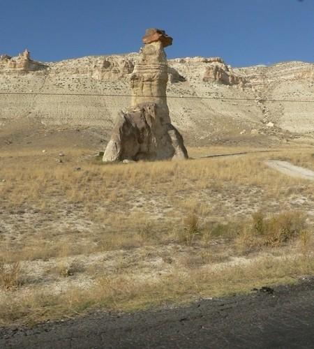 kapadocja okolice skalnej metropolii skuterem do turcji