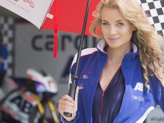 sliczna dziewczyna Paddock Girls MotoGP Brno z