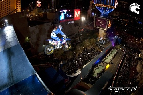 Red Bull New Year No Limits Robbie Maddison Fot Christian Pondella Red Bull Photofiles1