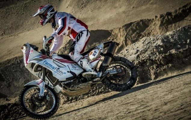 Pawel Stasiaczek na trasie Abu Dhabi Desert Challenge 2014 z