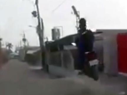 whip na skuterze z